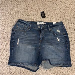 Ripped jean shorts.